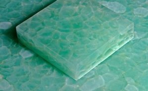 Azulejos-reciclados-a-partir-de-vidrio-electrónico